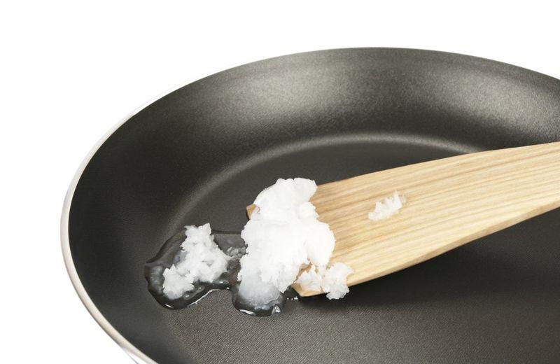 moisturizer properties of coconut oil