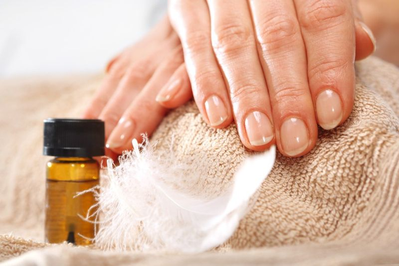 nails properties of coconut oil
