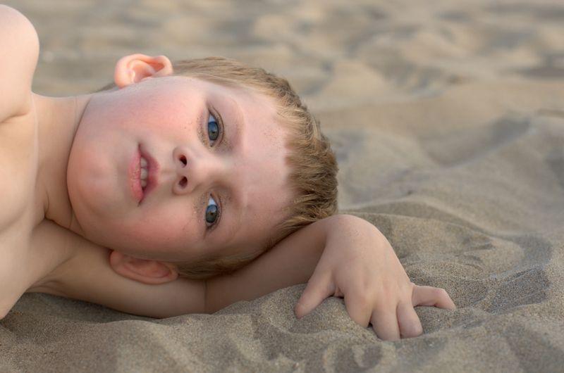 10 Symptoms of Autism