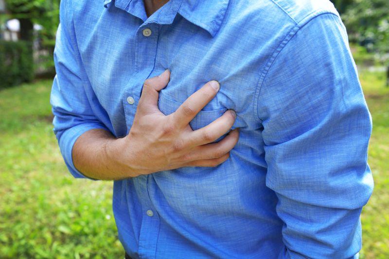 chest pain mesothelioma