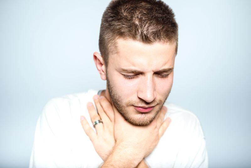 signs sore throat