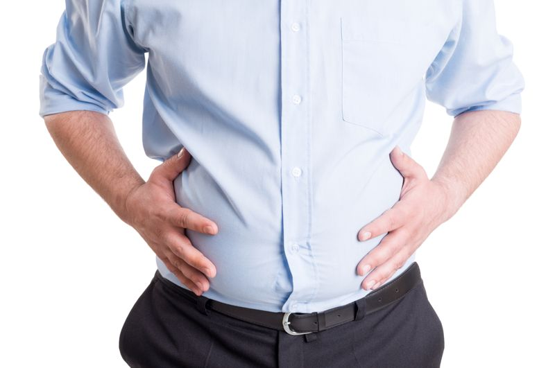 bloating stomach pain