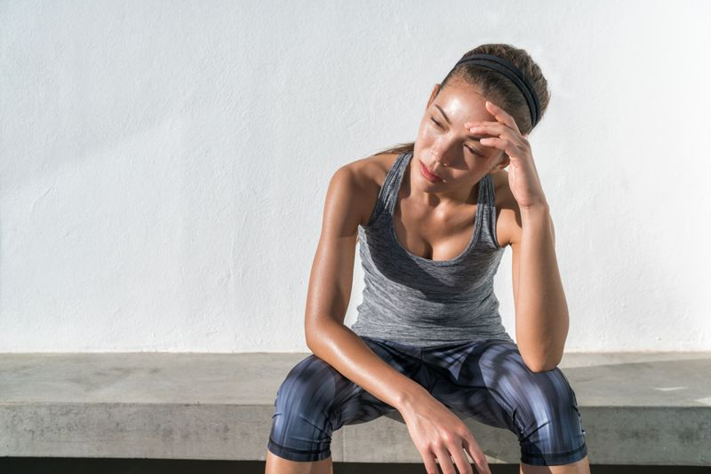 dehydration symptoms of jet lag