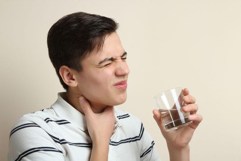 sore throat polio