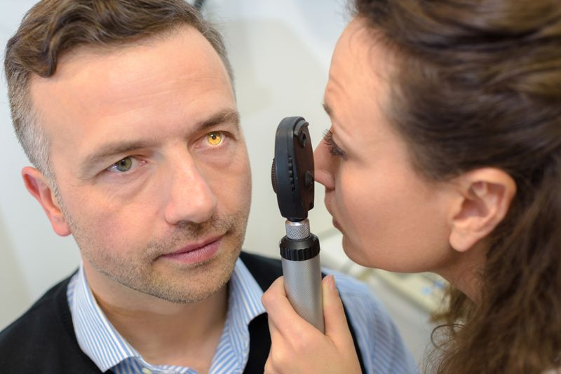 eye symptoms of optic neuritis