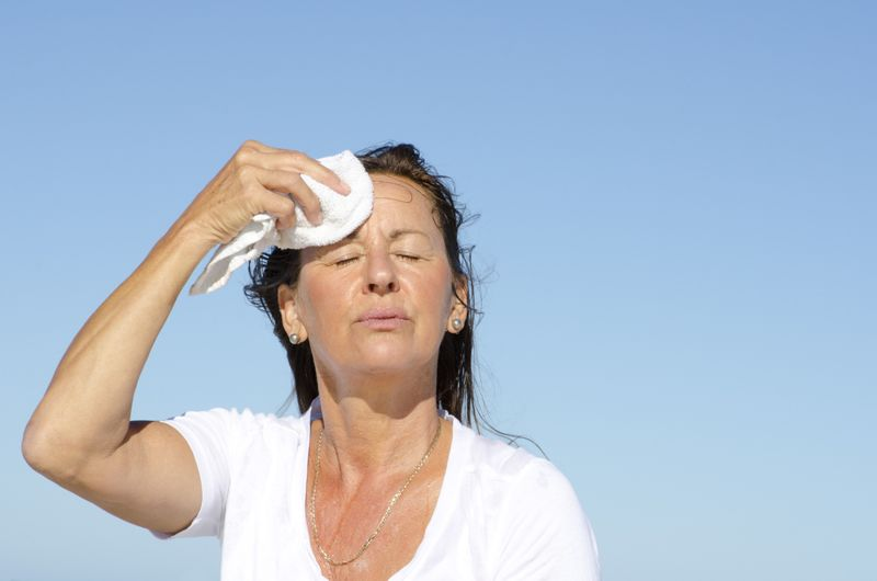 10 Symptoms of Hot Flashes