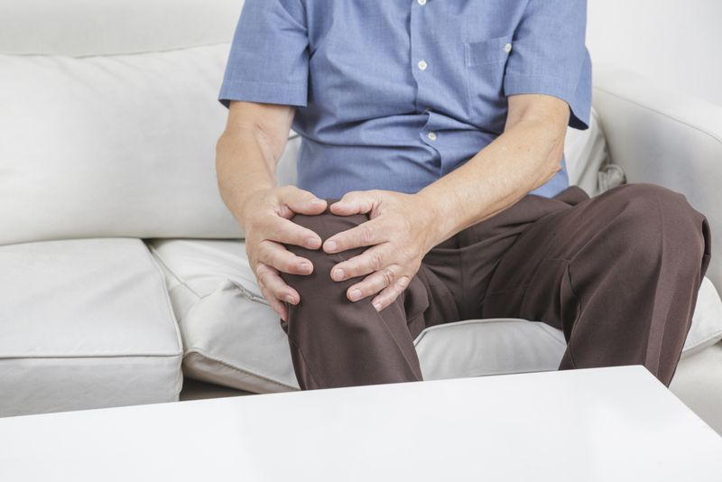 joint pain blastomycosis