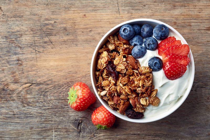 protein eating yogurt