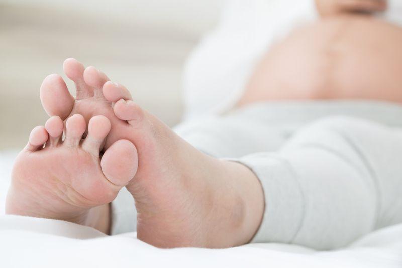 swelling symptoms of tick bites