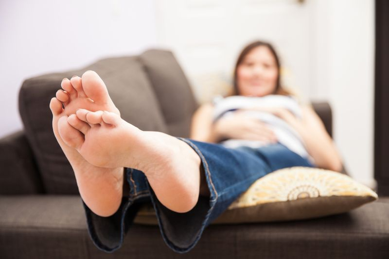 10 Ways to Reduce Foot Swelling