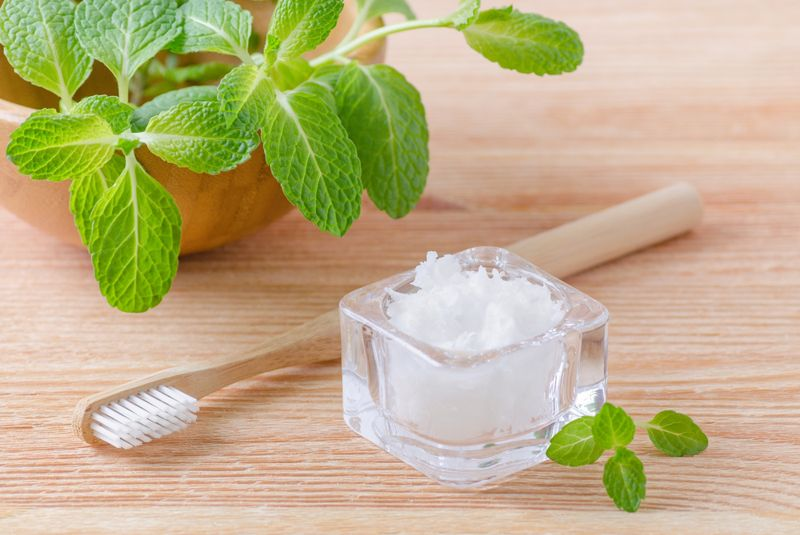 10 Facts About Oil Pulling
