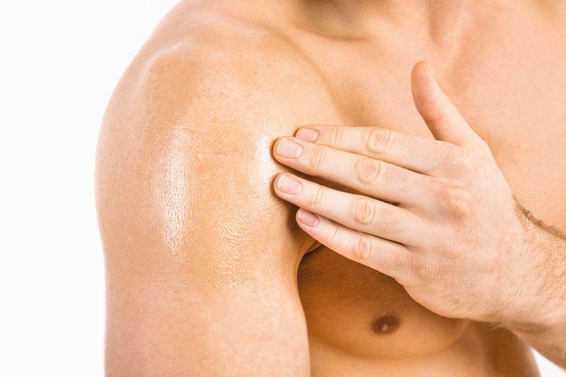 dislocated shoulder pains