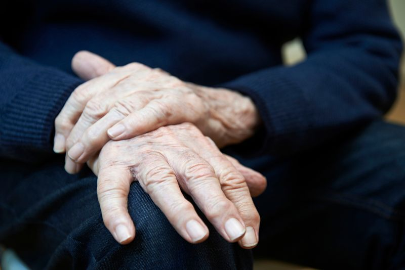 Ease symptoms of Parkinson's disease
