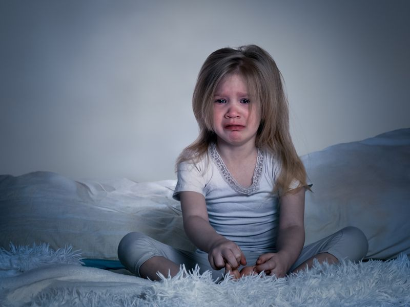 How many children experience growing pains?