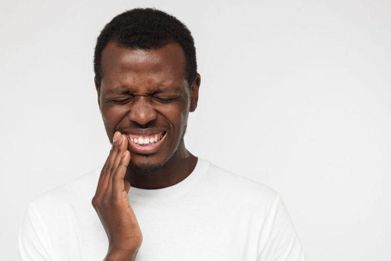 cracked teeth dental abscesses