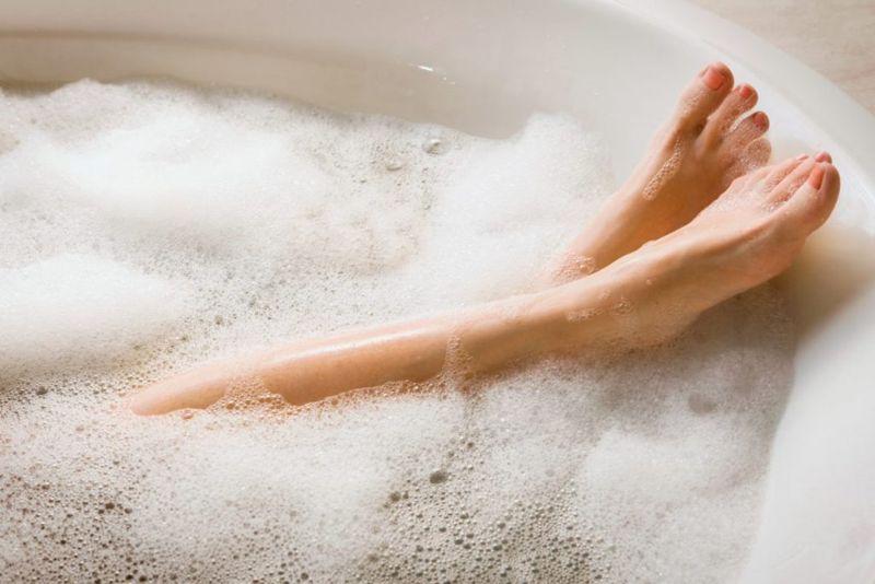 Foaming bath