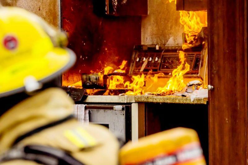 detriments combustion reaction