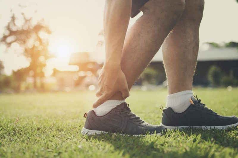 signs and symptoms of Achilles tendinopathy