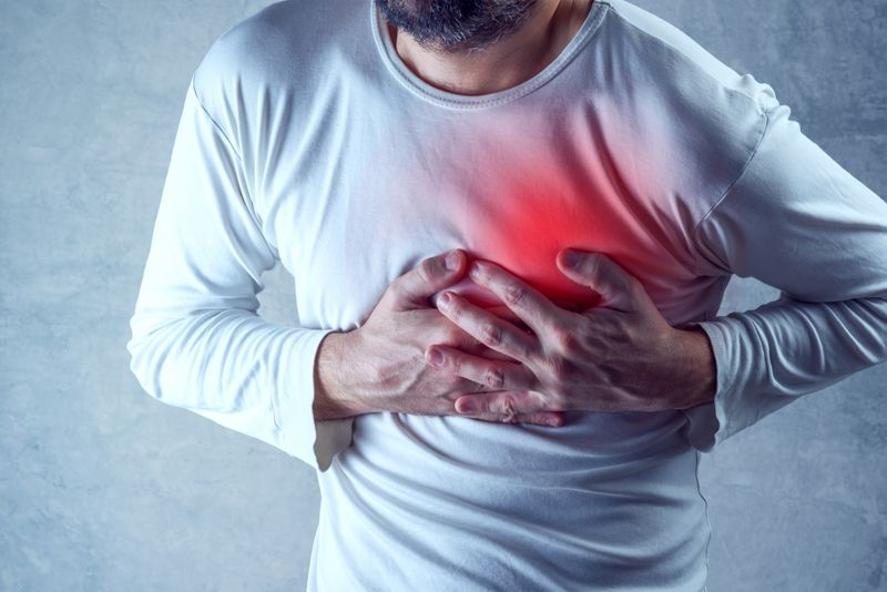 hypocalcemia complications