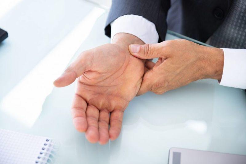 Ulnar nerve entrapment wrist