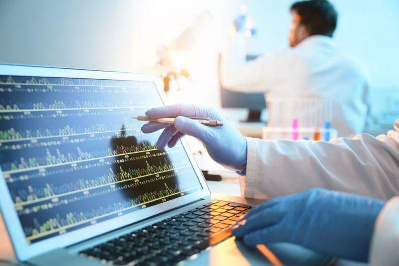 genetic researcher lab
