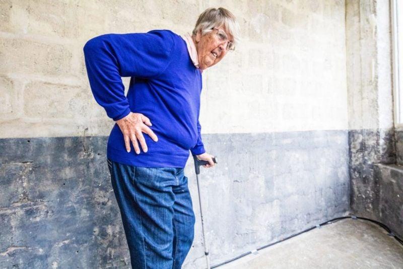 complications hip dysplasia