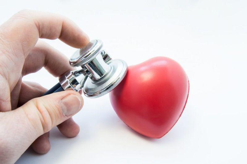 diagnosing Aortic valve insufficiency