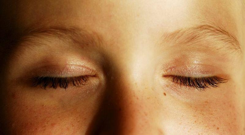 rapid eye movement eyes