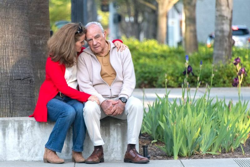 dementia senior man with daughter