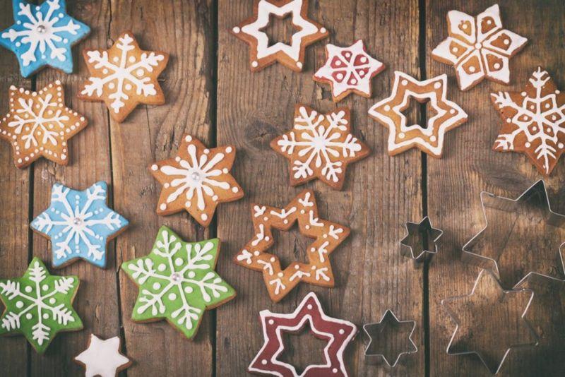 decorating sugar cookies