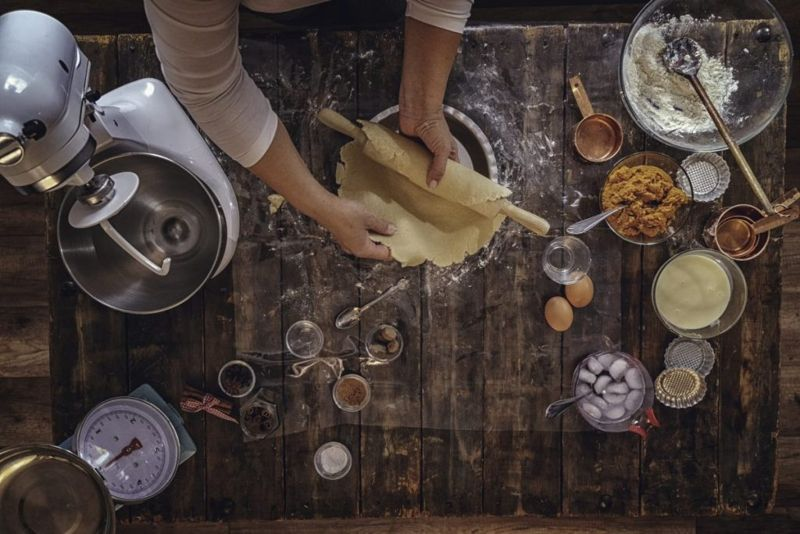 making pie crust