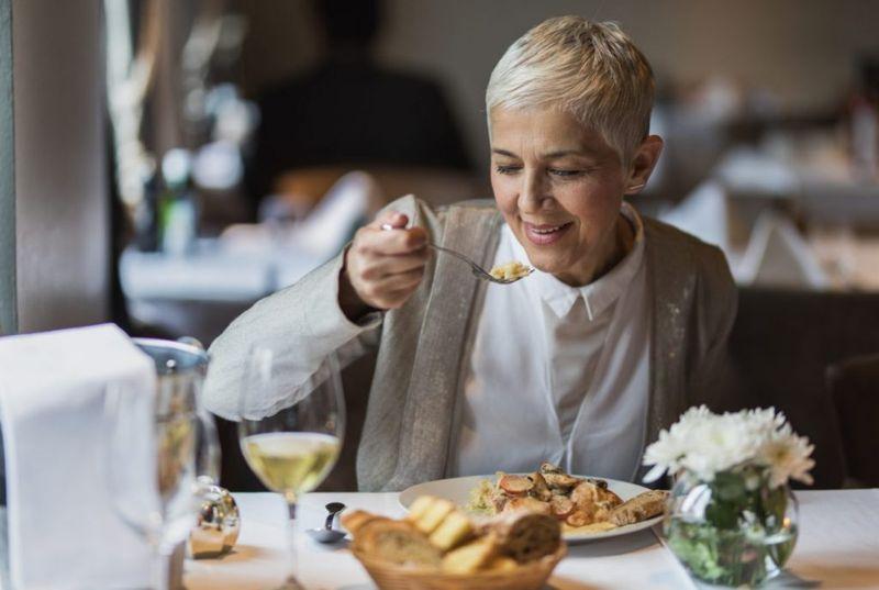 mindful eating diet overindulgence