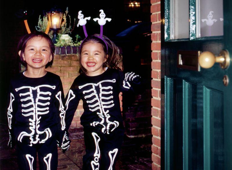 Halloween girls trick or treating