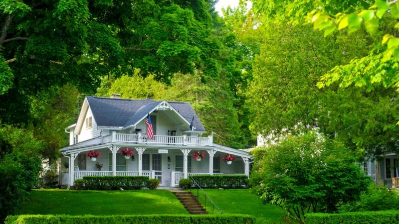A quaint old home serves as a bed and breakfast in this one-time Methodist retreat center lying on the shores of Lake Michigan next door to the resort town of Petoskey