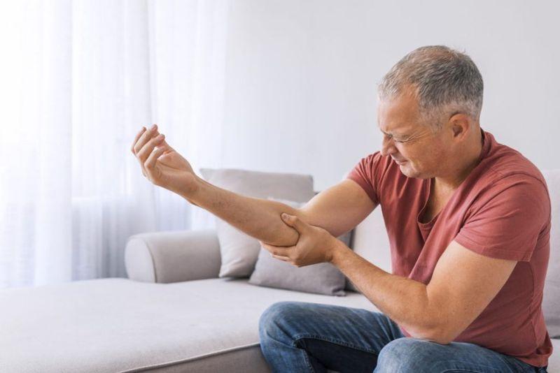 enthesopathy symptoms pain swelling stiffness