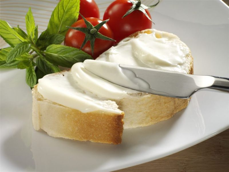 Cream cheese on bread