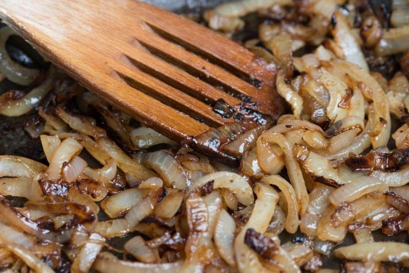 goulash carmelized onions