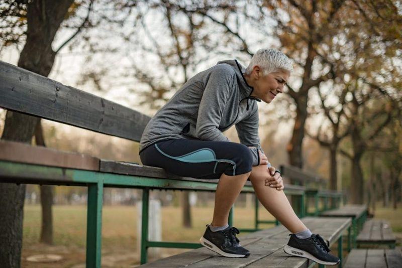 woman with arthritis pain
