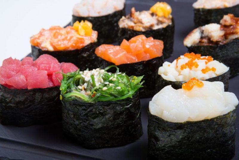 Gunkan sushi battleship rice toppings Japanese