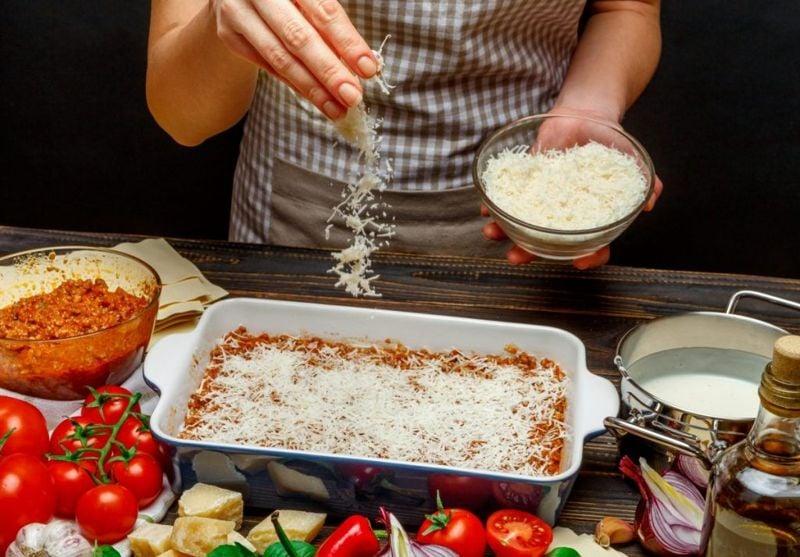 Sprinkle Cheese on Lasagna