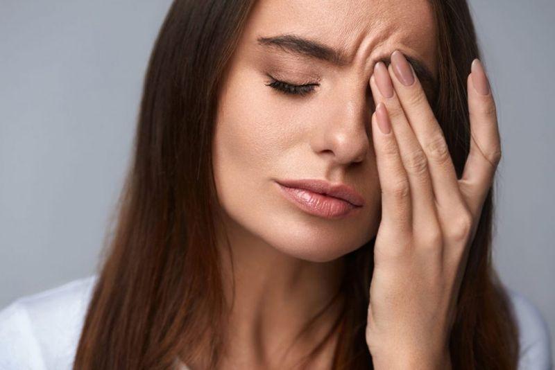 symptom, hemifacial spasm, twitching, eyelid