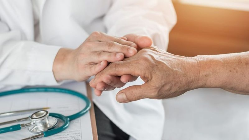 parkinsonian symptoms doctor
