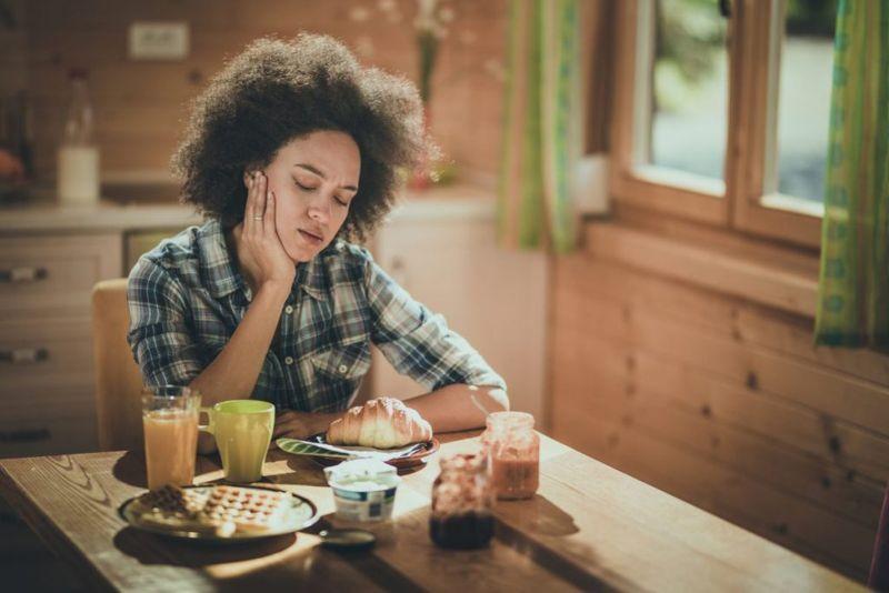 bloating nausea poor appetite symptoms