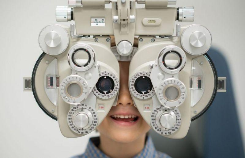 retinal detachment myopia vitreous