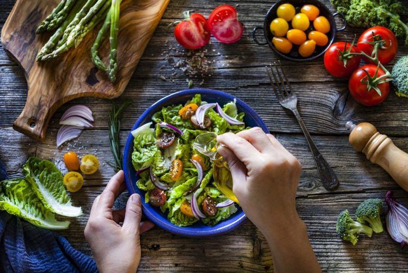 salad dressing food