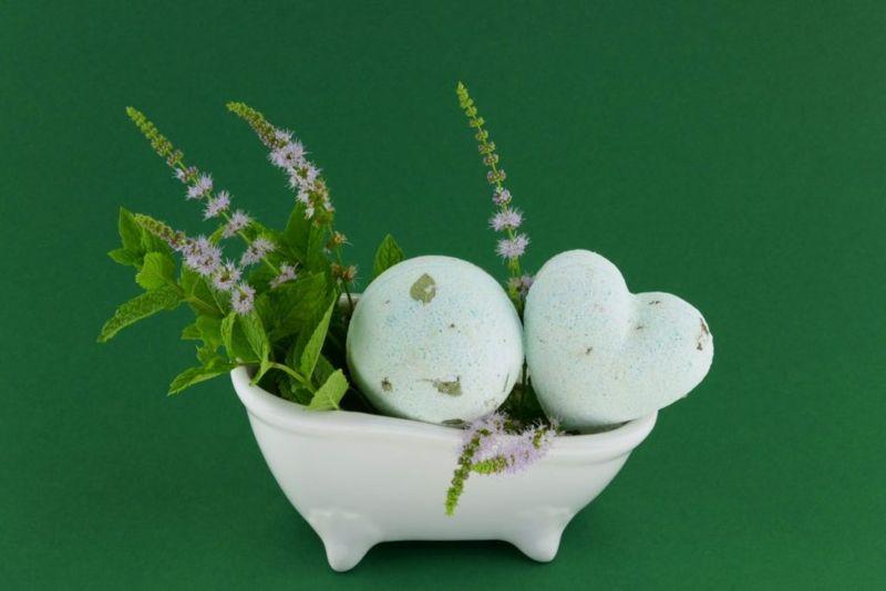 matcha powder, green, white, layers,