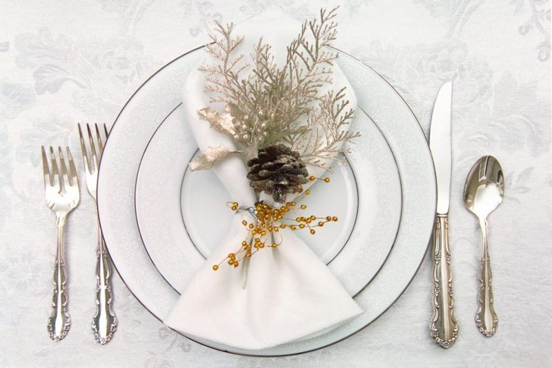 casual table setting utensils