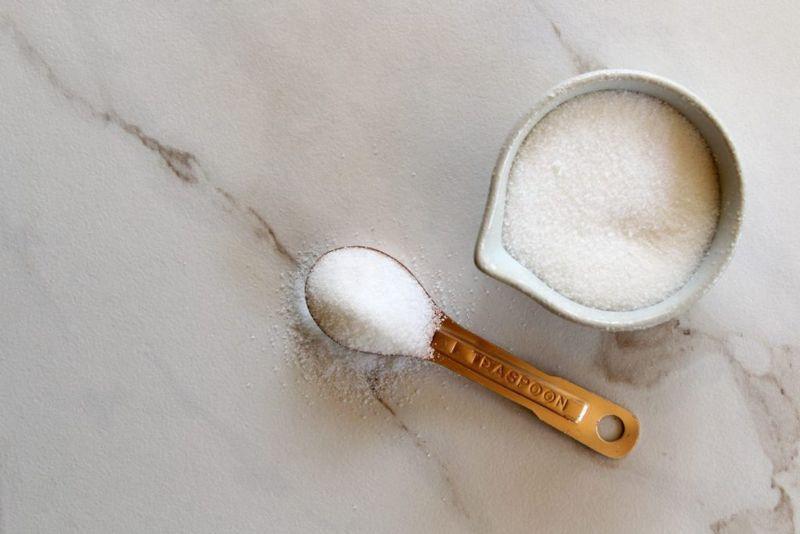 sugar measuring cup