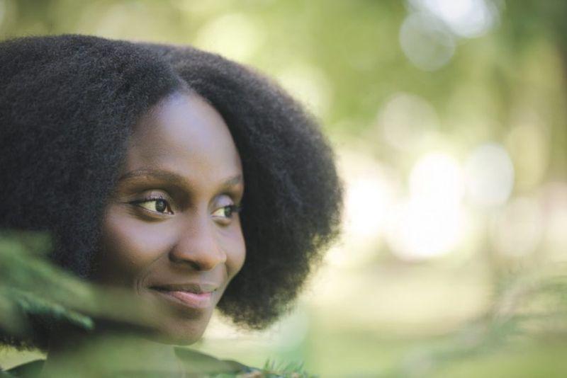 black woman blowout hair