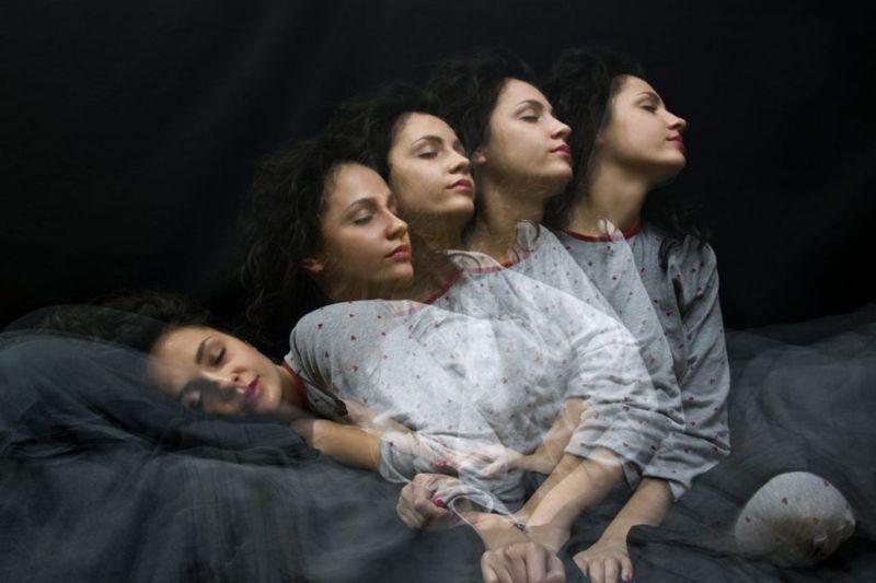 sleep deprivation episodes sleepwalking
